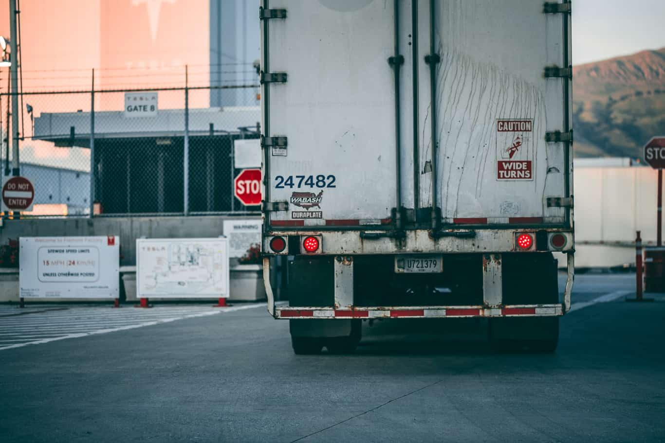 reduce idling emissions in bulk handling logistics fleets 1 1