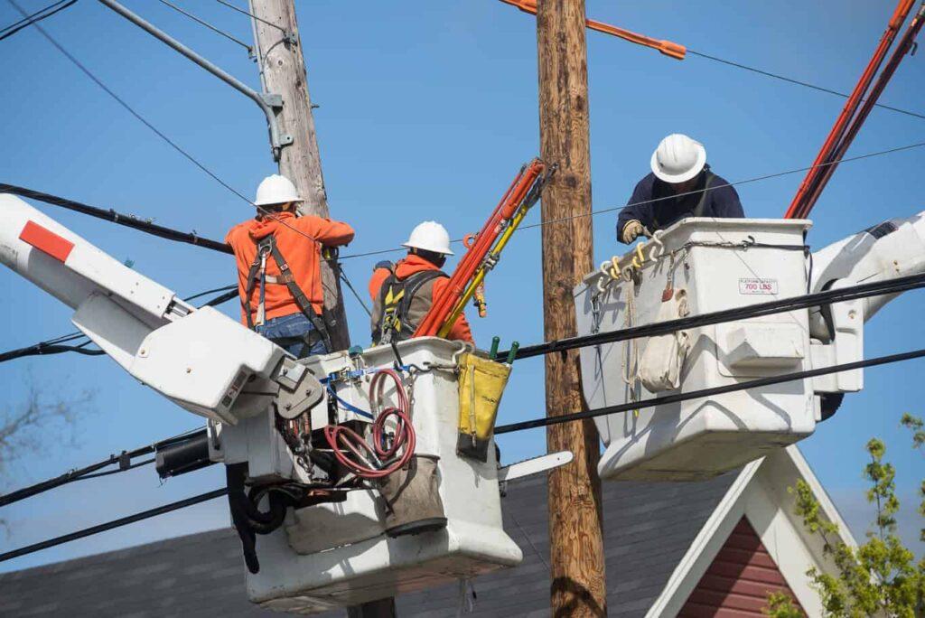 reduce utility fleet vehicle operational costs 1